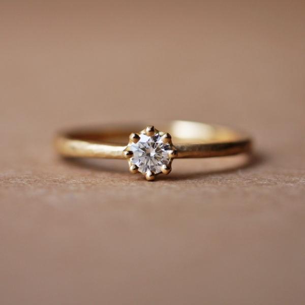 奈良でプロポーズするなら婚約指輪はユカホウジョウのカプリ