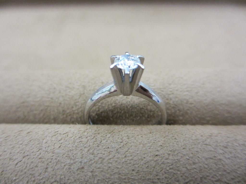 お母様から譲り受けた指輪でプロポーズ
