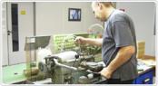 ドイツの鍛造メーカーであるフィッシャー・FISCHERの製造過程の掘削