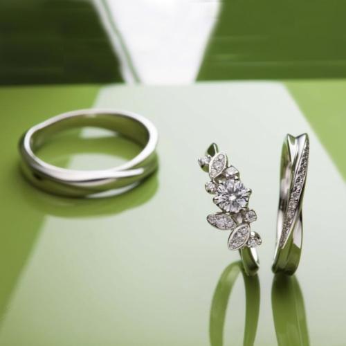 梅田でプロポーズするならおすすめの婚約指輪でラパージュのローズソバージュ