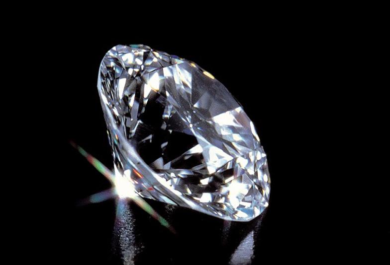 ディズニー美女と野獣結婚婚約指輪ならデザインやダイヤモンドにこだわった大阪梅田茶屋町のgarden梅田のブライダルリング