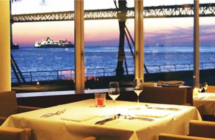神戸のレストランでプロポーズするならDINING-ROOM-IN-THE-MAIKO