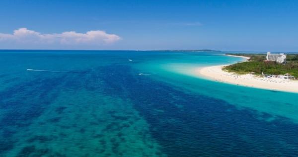 beachでプロポーズの与那覇前浜