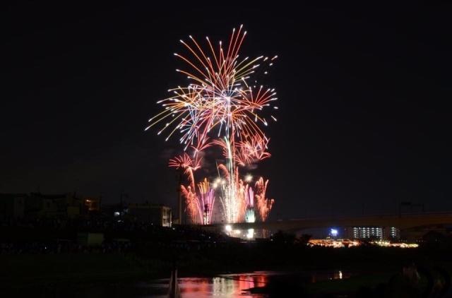 花火でプロポーズするなら猪名川花火大会