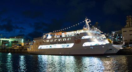 船上プロポーズでオススメのウエストマリン沖縄